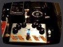 Revue de détail de la pédale de Fuzz pour basse signé MXR : la Blowtorch.