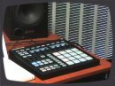 Voici une présentation du contrôleur dédié séquenceur/sampleur Maschine Native Instruments.