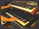 Rétro Sound aux commandes d'un Roland Juno-60 Roland et d'un Sequential Circuits Prophet VS!
