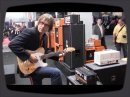 Ici on a une démo en direct du Frankfurt Musikmesse 2011 de l'ampli Orange Dark Terror.
