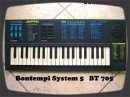 Retro toy keyboard demo by RetroSound Bontempi System 5 BT 705 8 bit wavetable sound generator, dual tone synthesis for combining 666 mixed sounds, 6 rubber drumpads, sustain, chorus and reverb fx, 24 preset rhythms, made in Italy this BT 705 keyboard is from my lovely friend susan rom. I put a audio out mod on the keyboard backside. really fat sound!